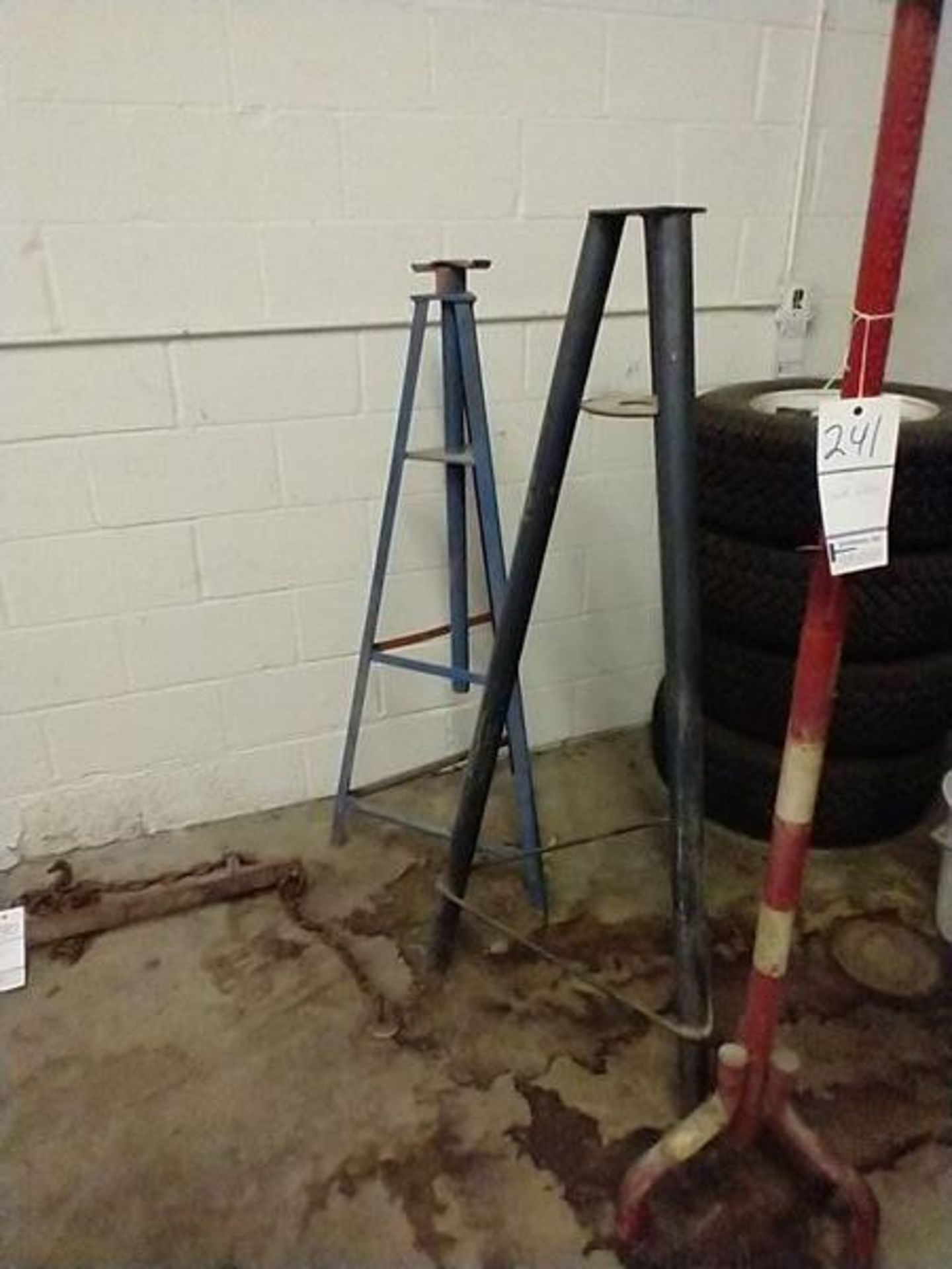 JACK STANDS - Image 2 of 3