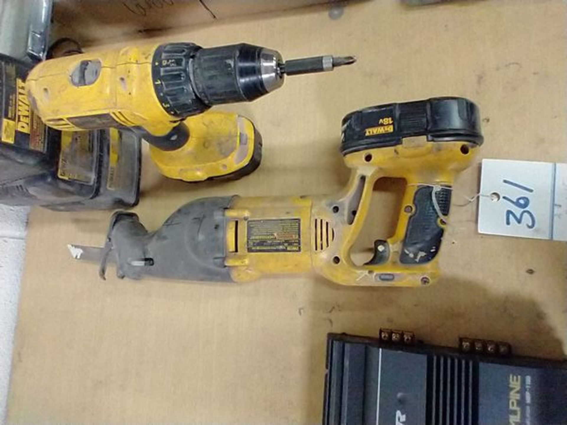 DEWALT DC970 18V DRILL AND DW938 18V RECIPROCATING SAW WITH CHARGER - Image 4 of 4