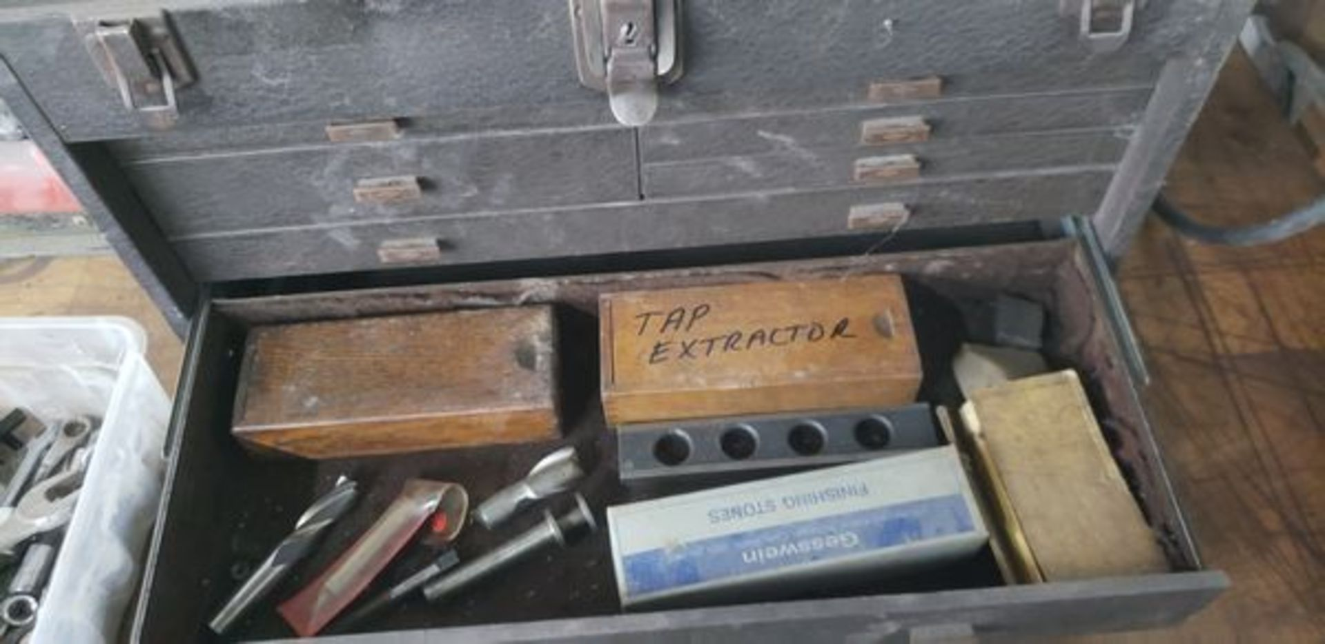 KENNEDY MACHINIST TOOL CHEST WITH CONTENTS - Image 11 of 11