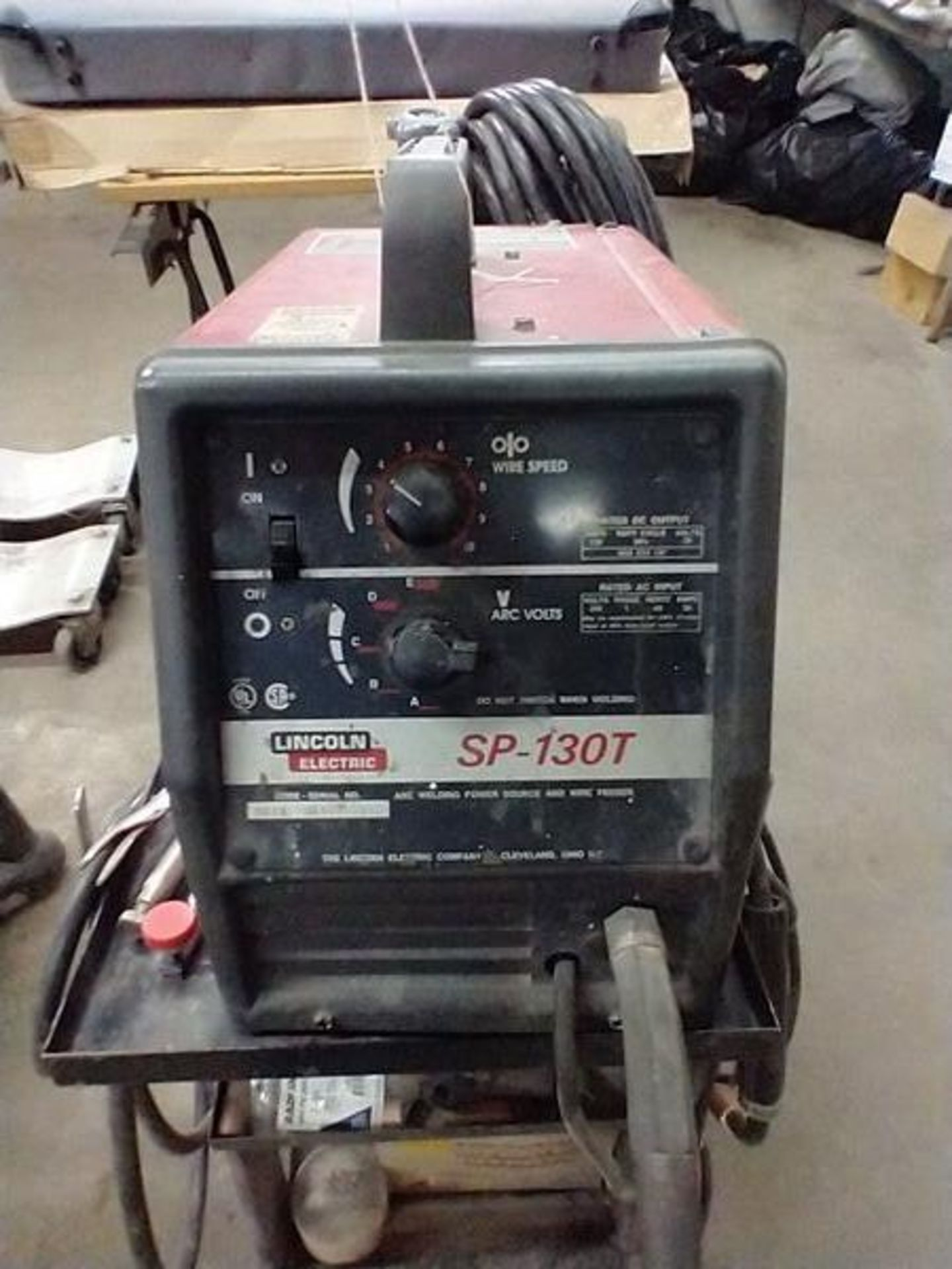 LINCOLN ARC WELDER SP-130T WITH CART AND CONTENTS