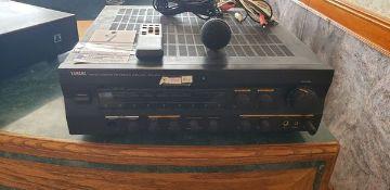 YAMAHA DIGITAL KARAOKE PROCESSING AMPLIFIER MODEL KPA-502 WITH MICROPHONE