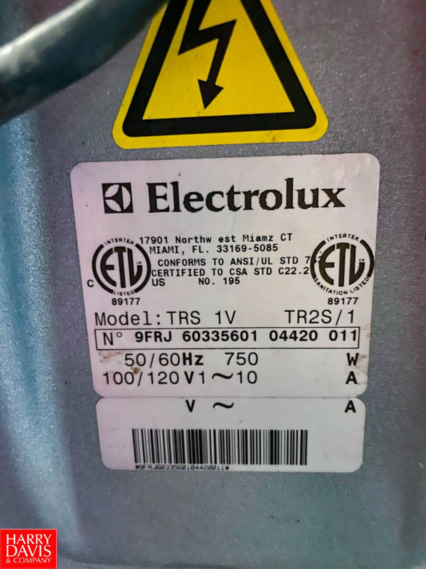 Electrolux Commercial Food Processor Model: TRS1V. Rigging Fee: $ 50 - Image 3 of 3
