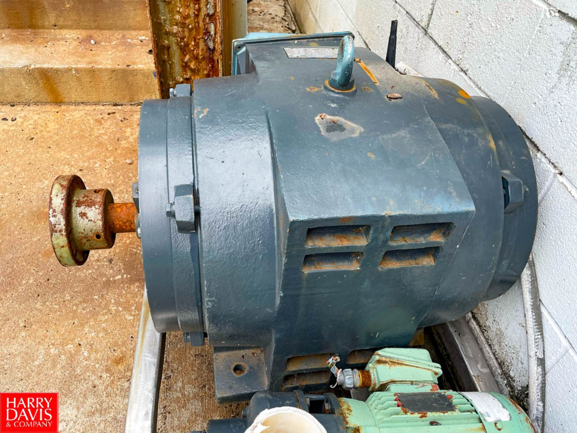 Leeson 150 HP 3,555 RPM Motor. Rigging Fee: $ 125 - Image 2 of 3