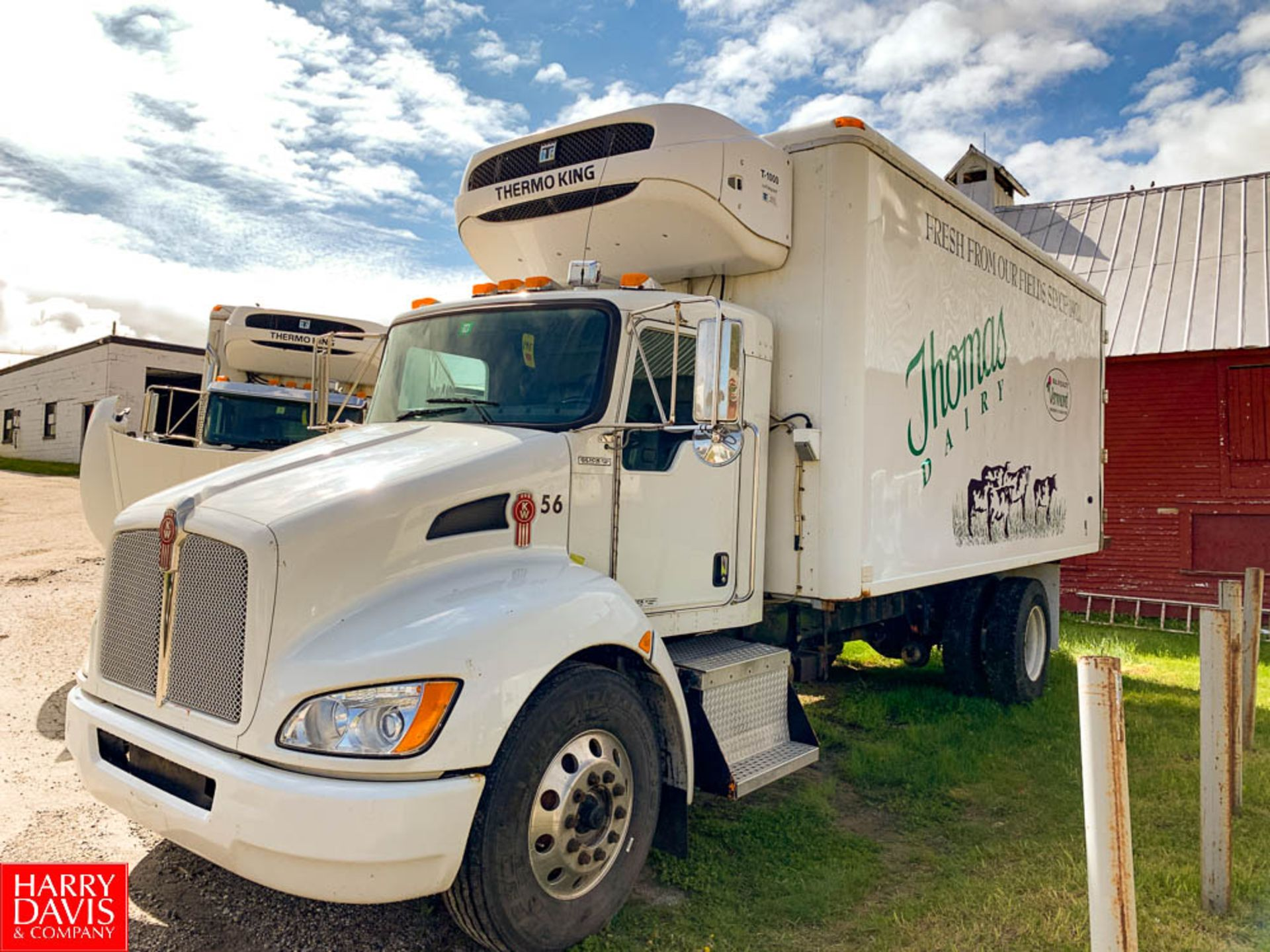 2012 Kenworth 18' Refrigerated Ice Cream Delivery Truck: Model T370, 33,000 GVWR, Paccar PX-8-270