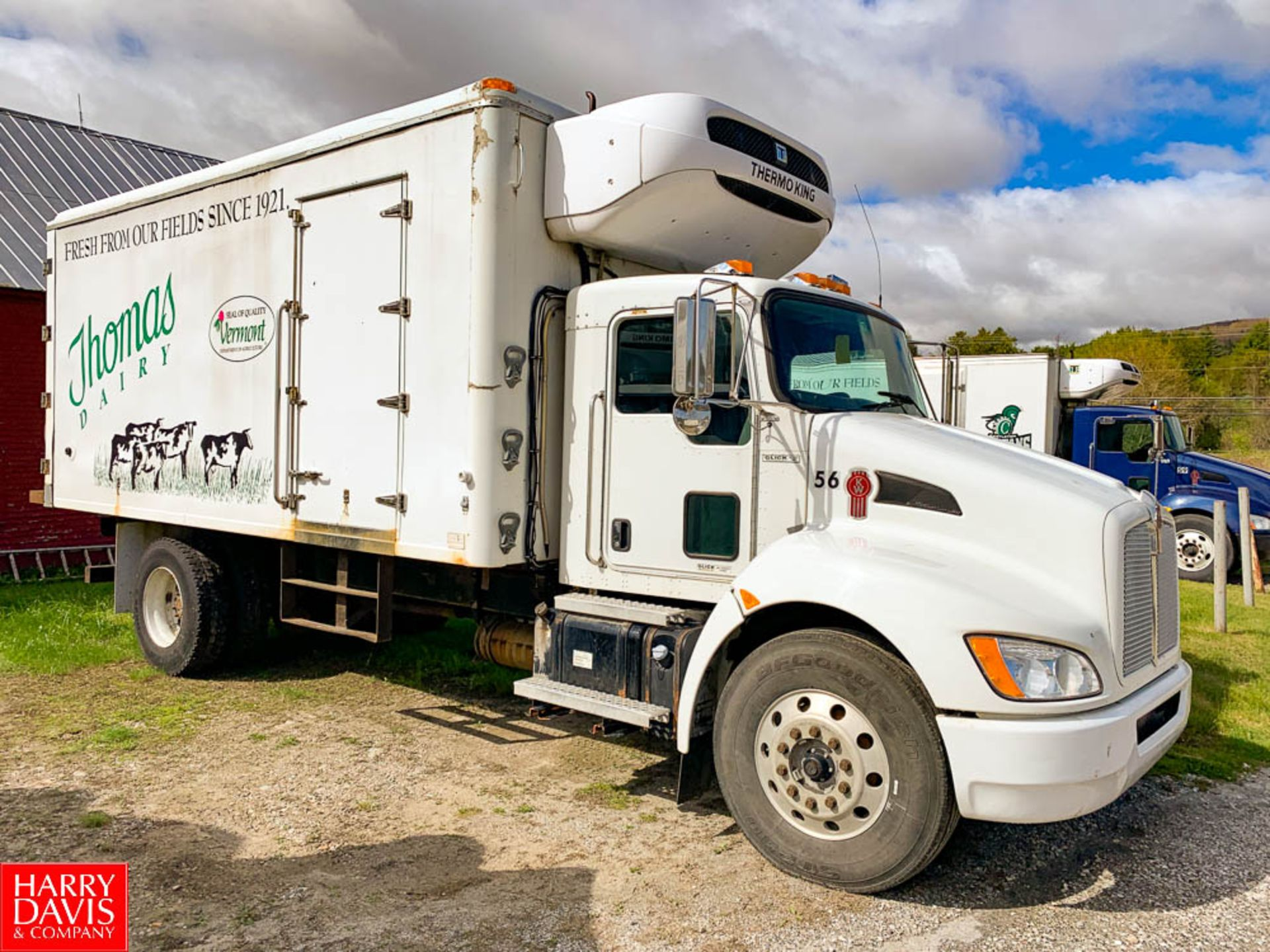 2012 Kenworth 18' Refrigerated Ice Cream Delivery Truck: Model T370, 33,000 GVWR, Paccar PX-8-270 - Image 2 of 6