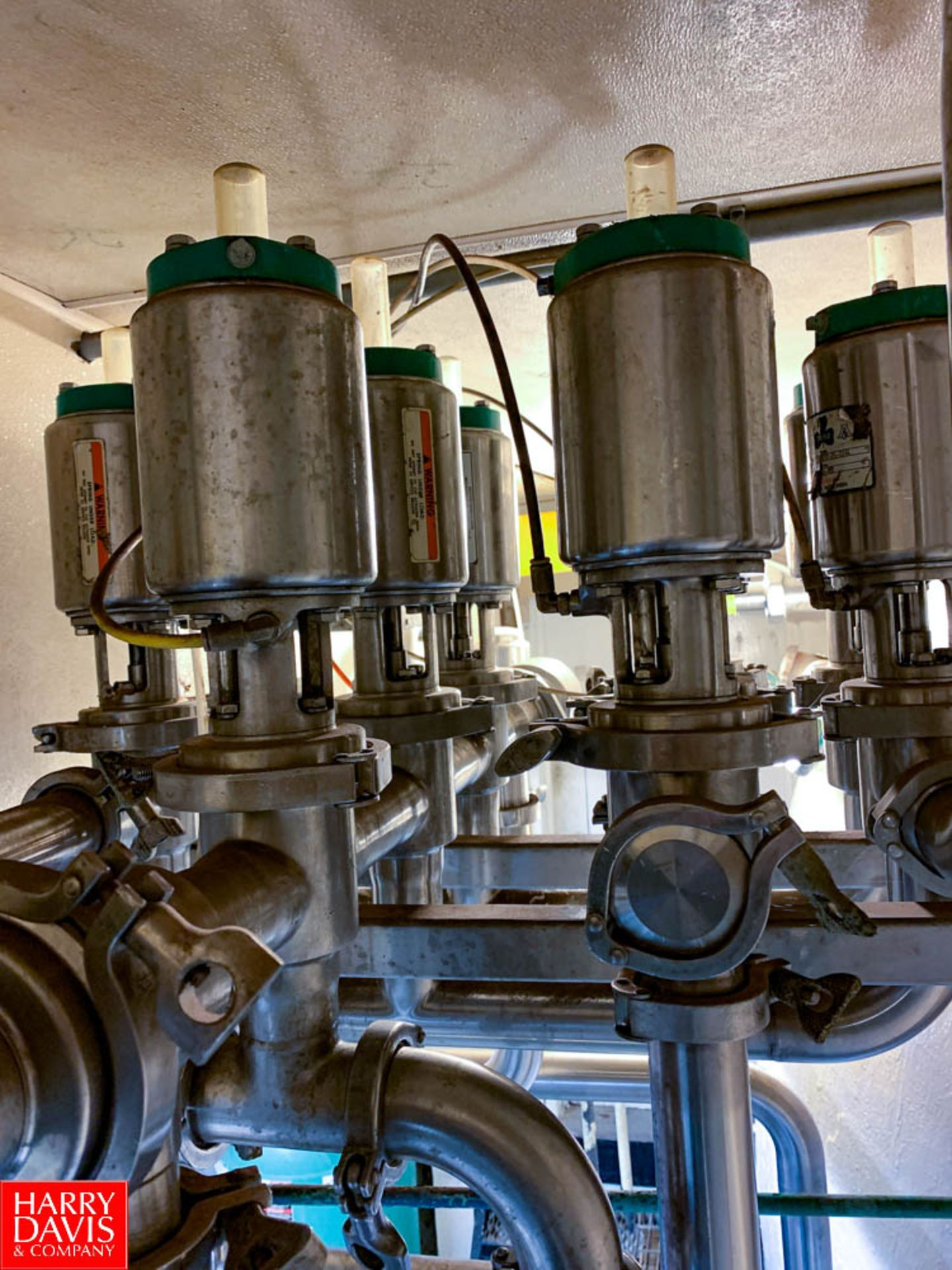 """Tri Clover 316L 2"""" S/S Air Valves In Manifold - Image 3 of 3"""