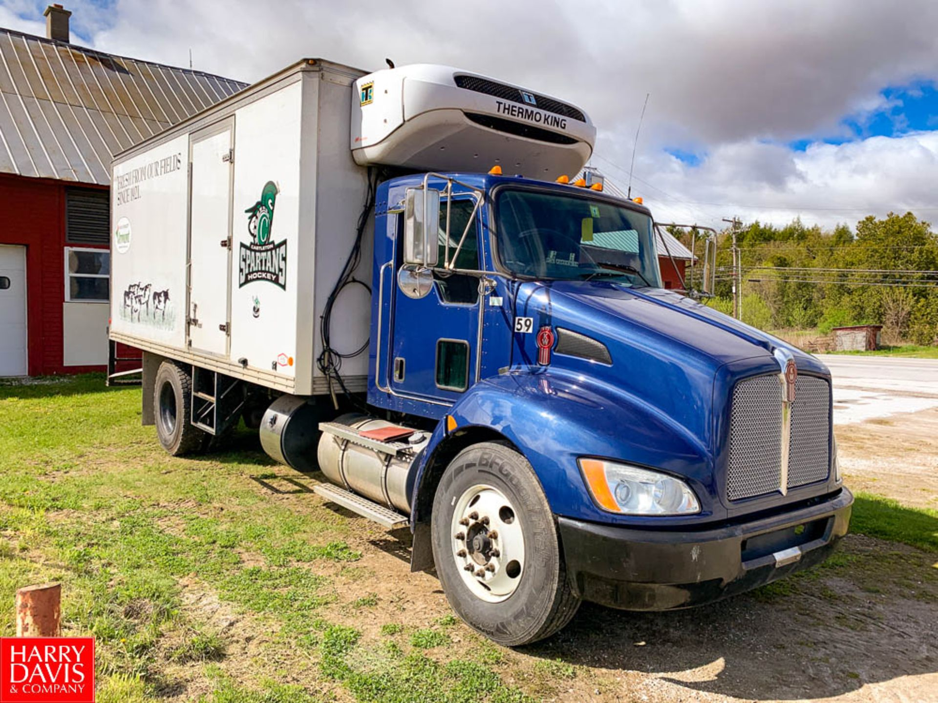 2012 Kenworth 18' Refrigerated Delivery Truck Model: T-270, 26,000 GVWR, with Paccar PX-8-300 - Image 2 of 8