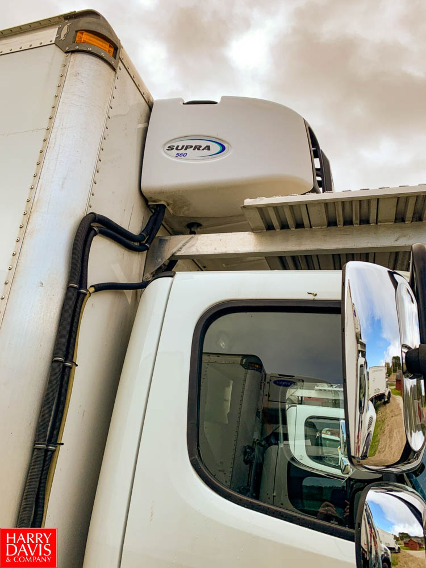 2017 Freightliner 20' Refrigerated Delivery Truck Model: M2106, 33,000 GVWR, Cummins IBS 6.7 280 - Image 8 of 8