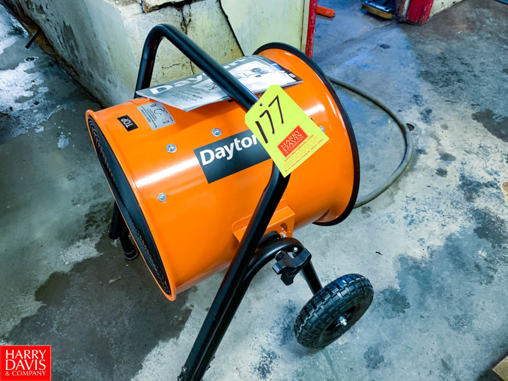 Dayton Portable Electric Salamander