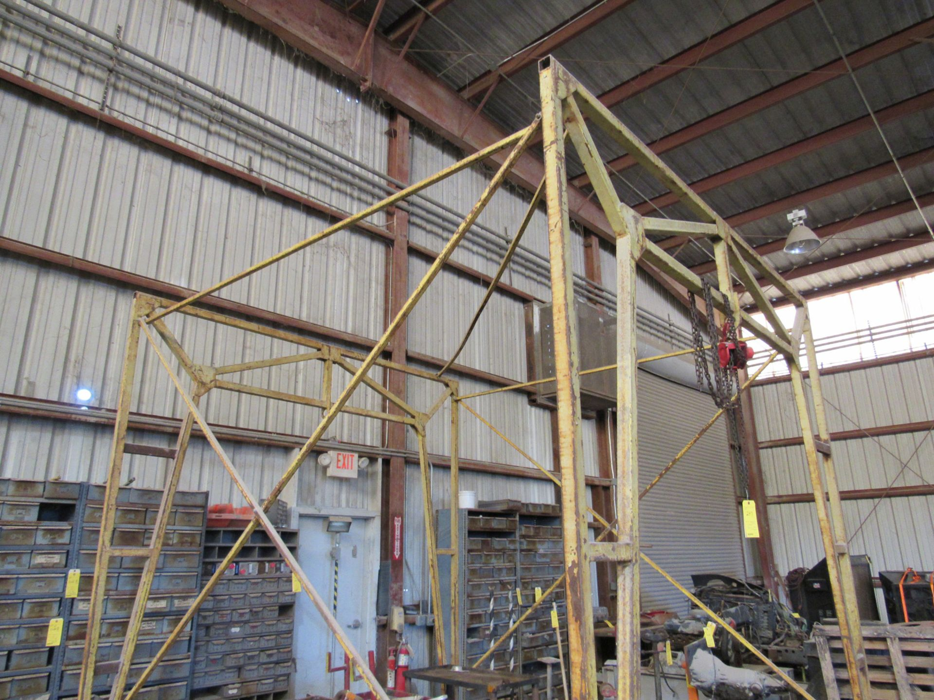 Rolling Hoist with Frame - Image 2 of 2