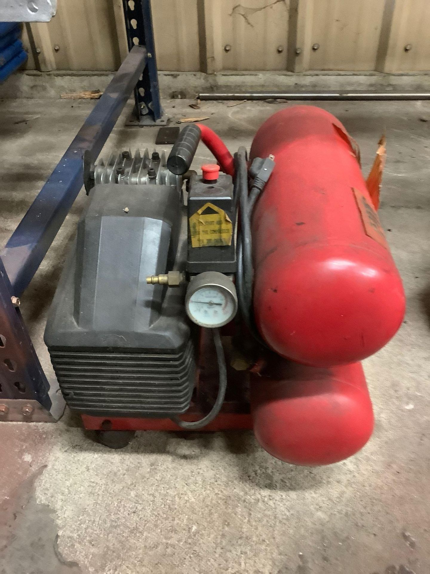 Lot of 2 Portable Air Compressors - Image 3 of 5