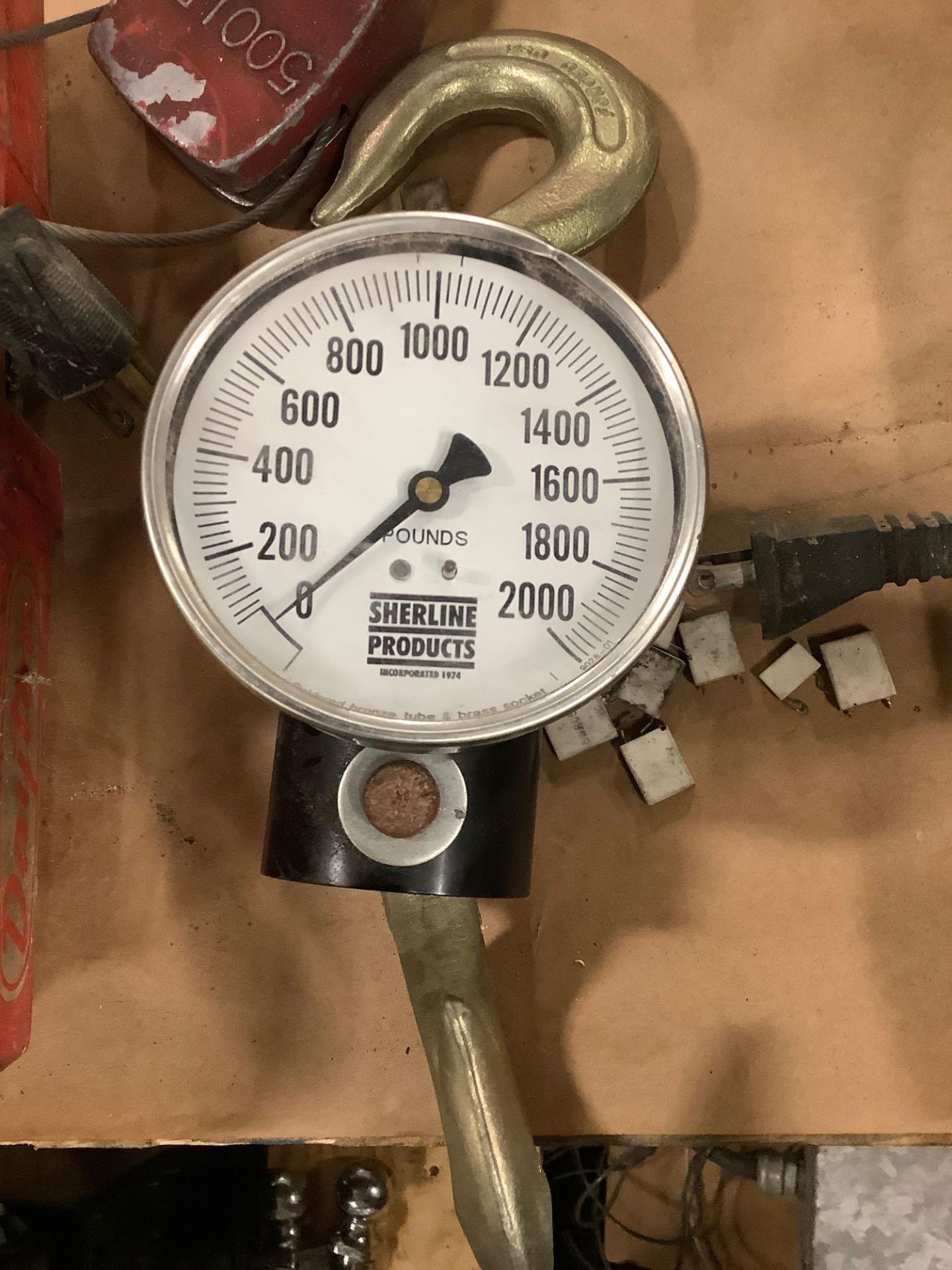 Lot of 2: Dayton 500 lb Hoist, (1) Sherline Scale Max 2000 lb - Image 2 of 4