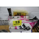 ASSORTED CAR WASH MITTS IN BOX