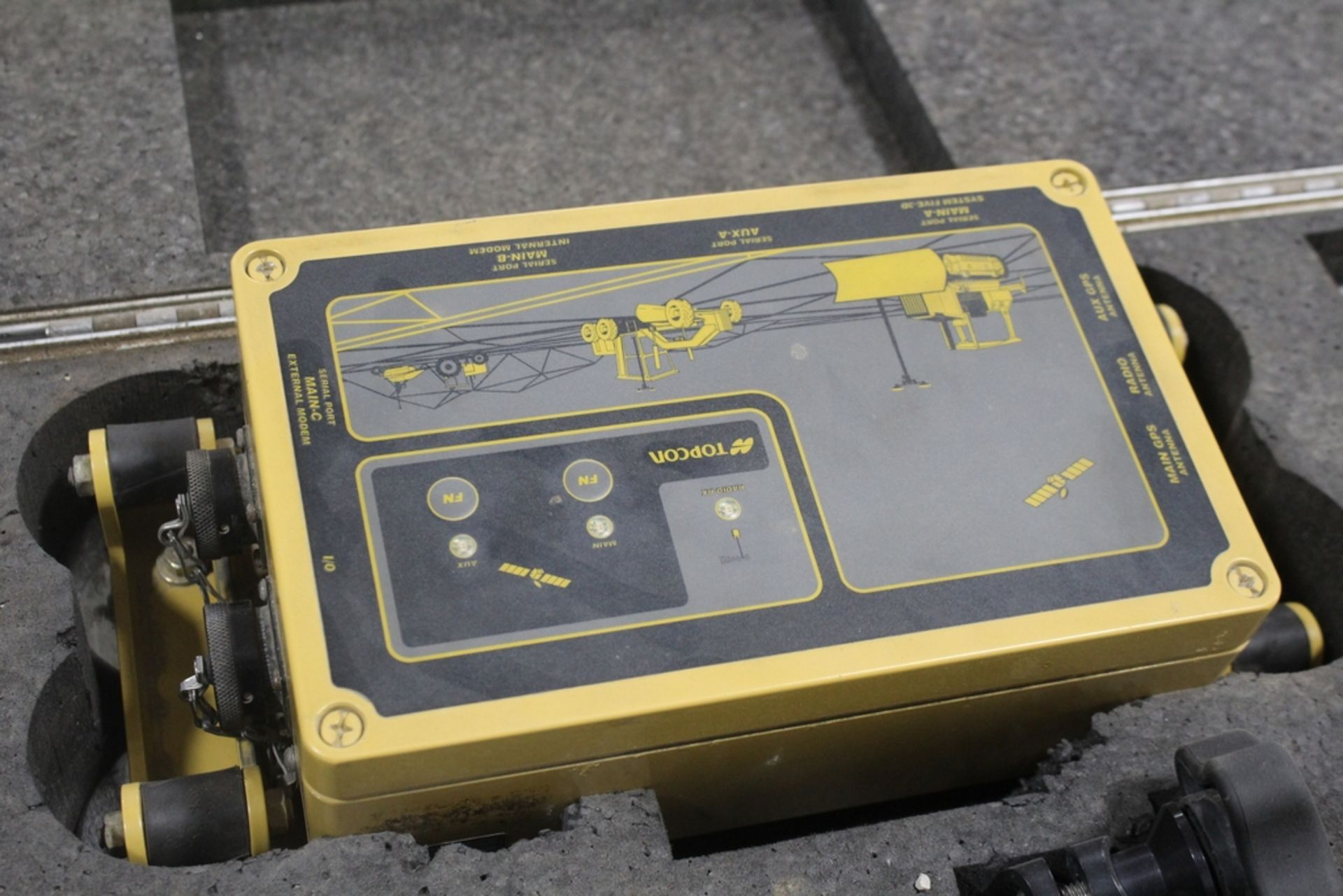 TOPCON MODEL 9902-0003-01 UHF DUAL ANTENNA 3D GPS MACHINE CONTROL - Image 2 of 2