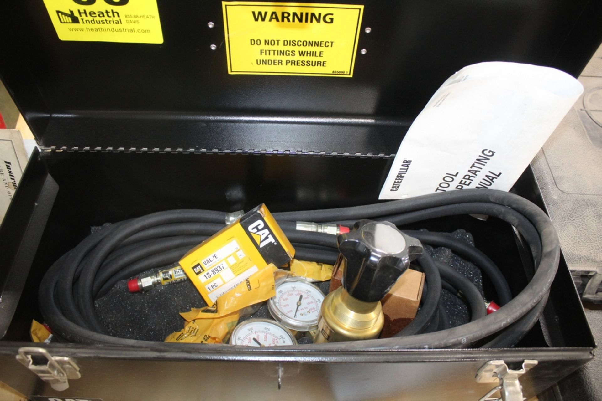 CATERPILLAR MODEL NEHS0742-01 NITROGEN CHARGING GROUP AND FITTING GROUP