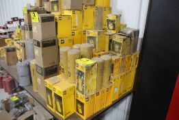 LARGE ASSORTMENT OF CATERPILLAR HYDRAULIC OIL FILTERS