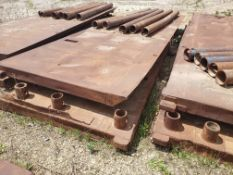 8' X 24' TRENCH BOX WITH (5) 13' SPREADER BARS