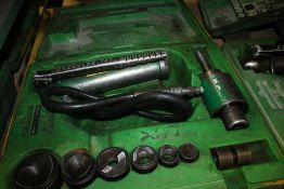 """GREENLEE 7306 HYDRAULIC KNOCKOUT PUNCH DRIVER SET WITH PUNCHES AND DIES FOR 1/2"""" THRU 2"""" CONDUIT"""