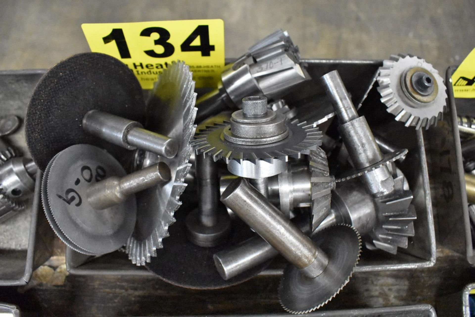 MILLING CUTTERS WITH ARBORS