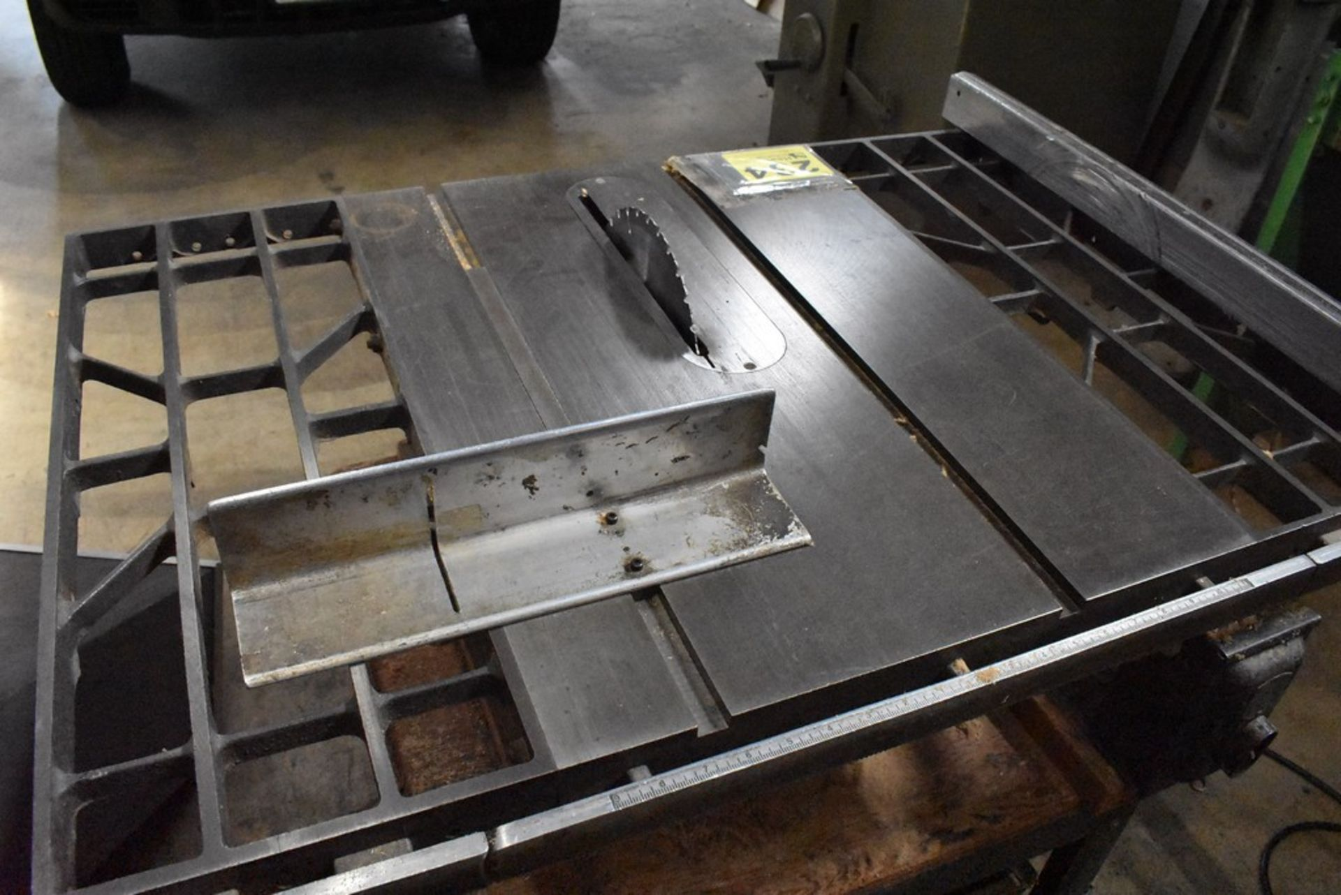 CRAFTSMAN TABLE SAW - Image 2 of 5