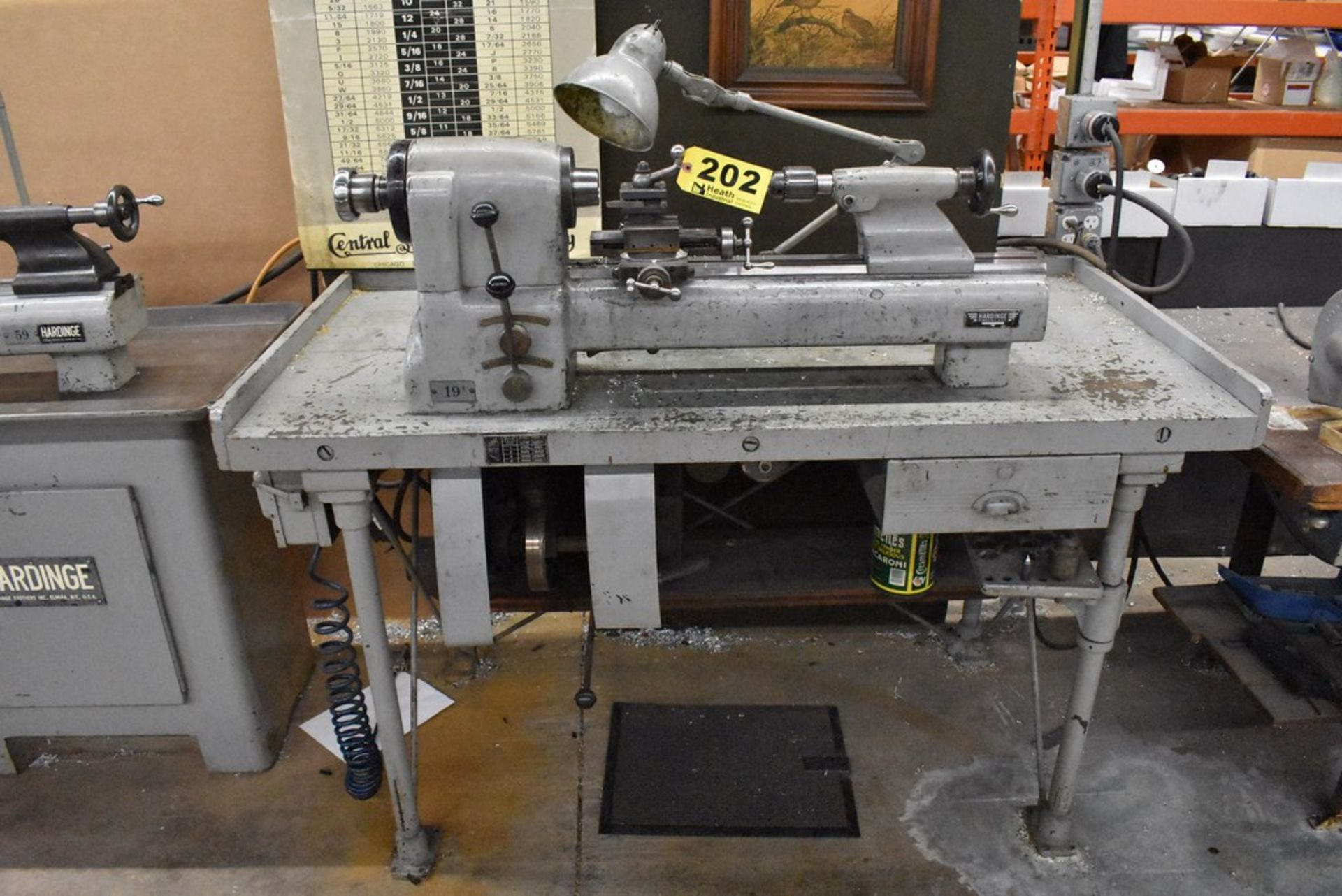 HARDINGE NO. 59 PRECISION SPLIT BED LATHE, S/N 59-16741, WITH SWIVEL COMPOUND, MOUNTED ON TABLE - Image 5 of 7