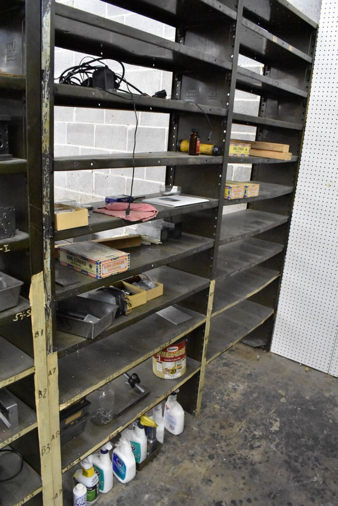 CONTENTS OF (8) SECTIONS OF SHELVING - Image 13 of 14