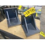 PAIR OF ANGLE PLATES