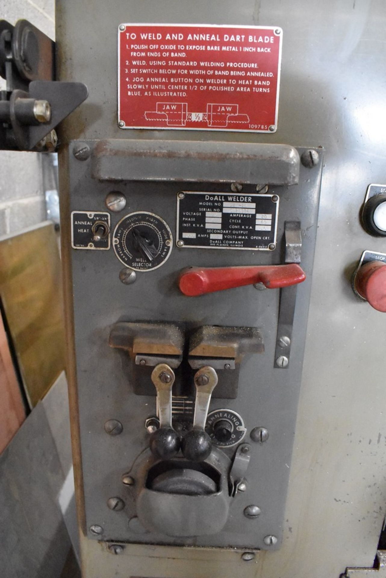 """DOALL 16"""" MODEL 1612-1 VERTICAL BAND SAW, S/N 148-681291, WITH BLADE WELDER - Image 5 of 9"""