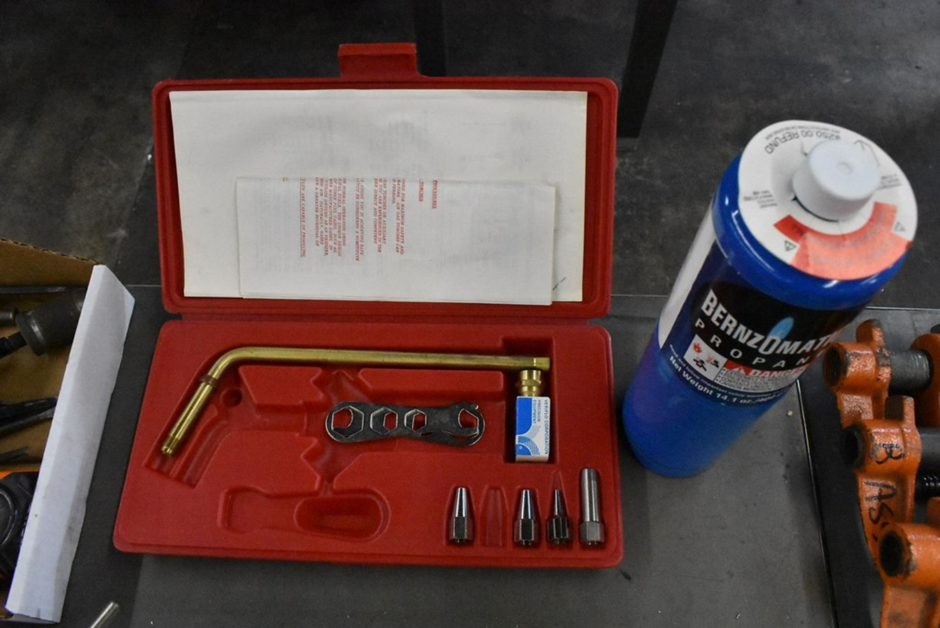 VERITLO MODEL 3A2W TORCH KIT WITH PROPANE TANK - Image 2 of 4