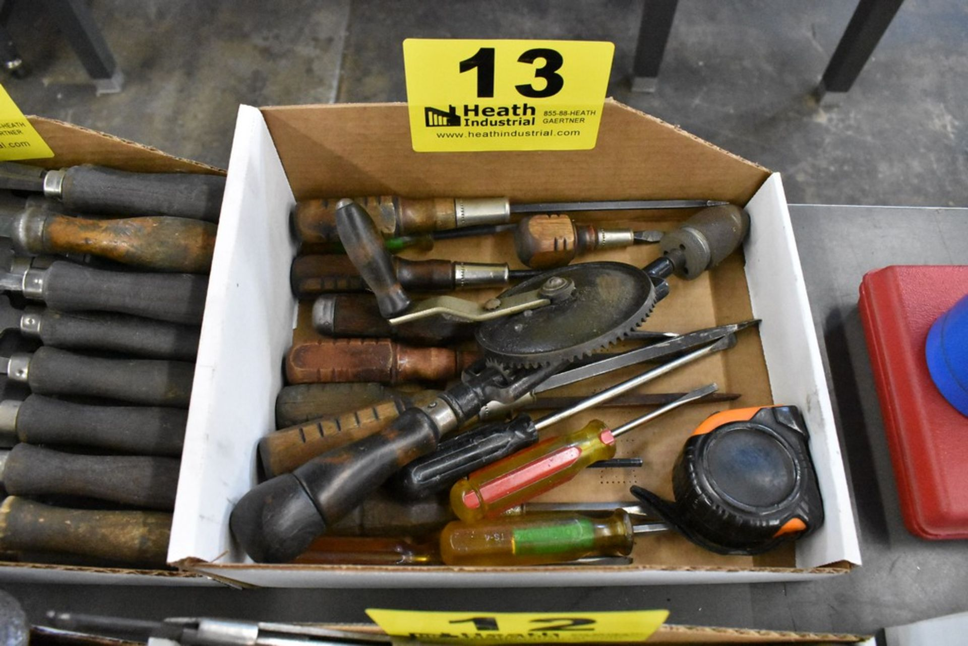 ASSORTED SCREWDRIVERS & BRACE DRILL - Image 2 of 2