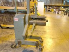 AMERICAN 6,000 LB. MODEL 60 NON-MOTORIZED STOCK UNCOILER, S/N 60-1000-4227, WITH KEEPERS