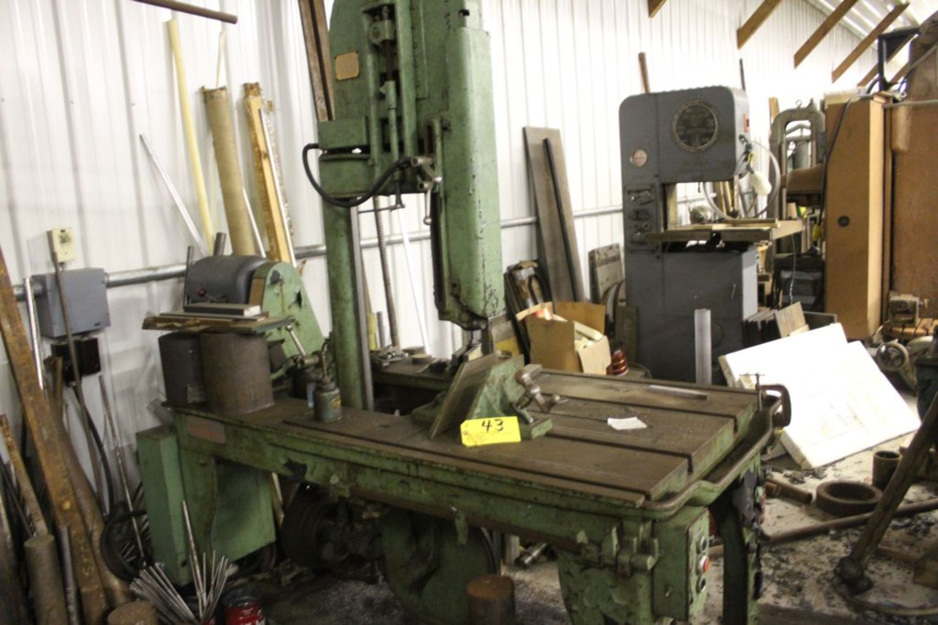 Marvel bandsaw, model 8/M8, sn 88031, 3-speed, vertical / miter cut.