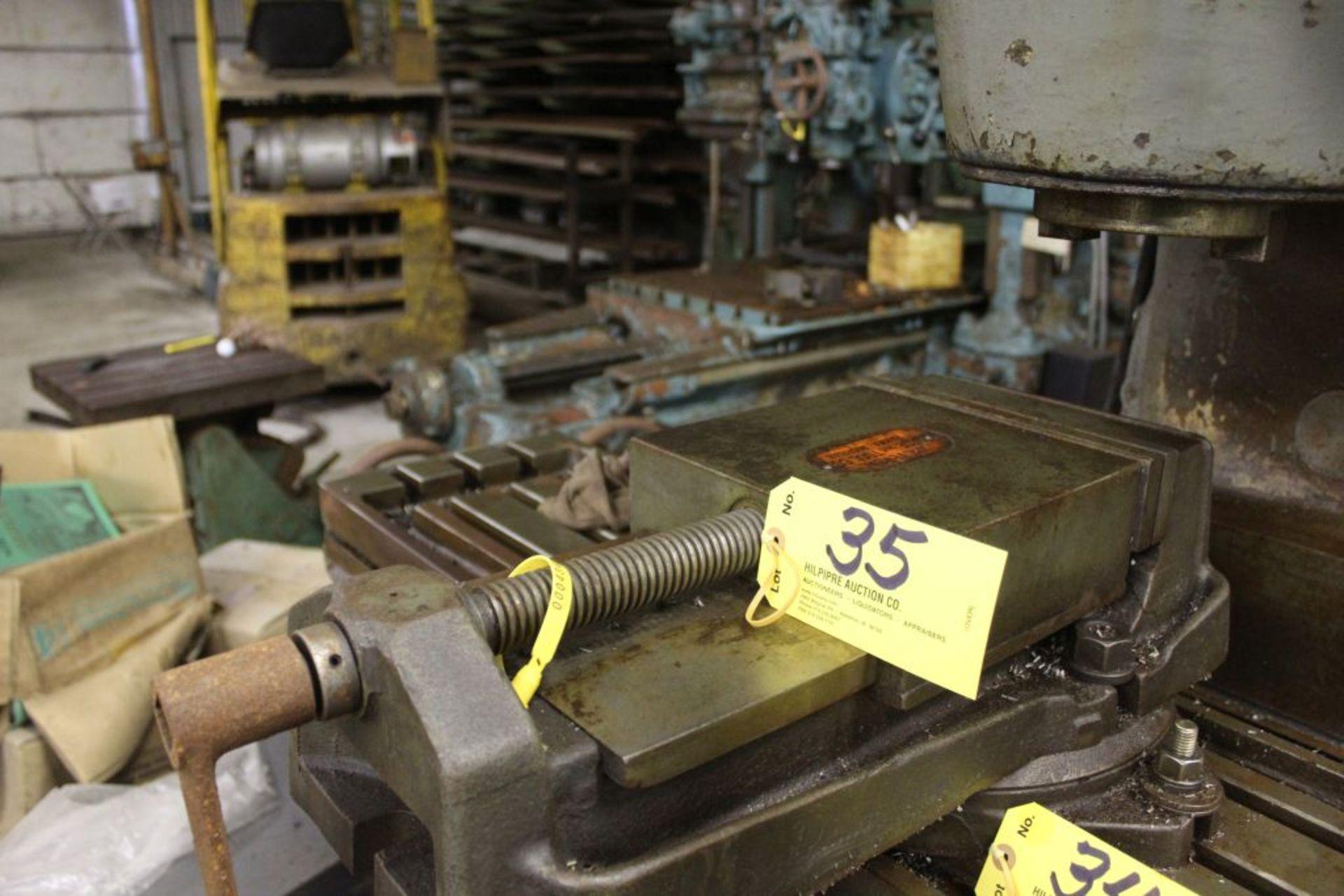 "Universal 9"" machine vise. - Image 3 of 4"