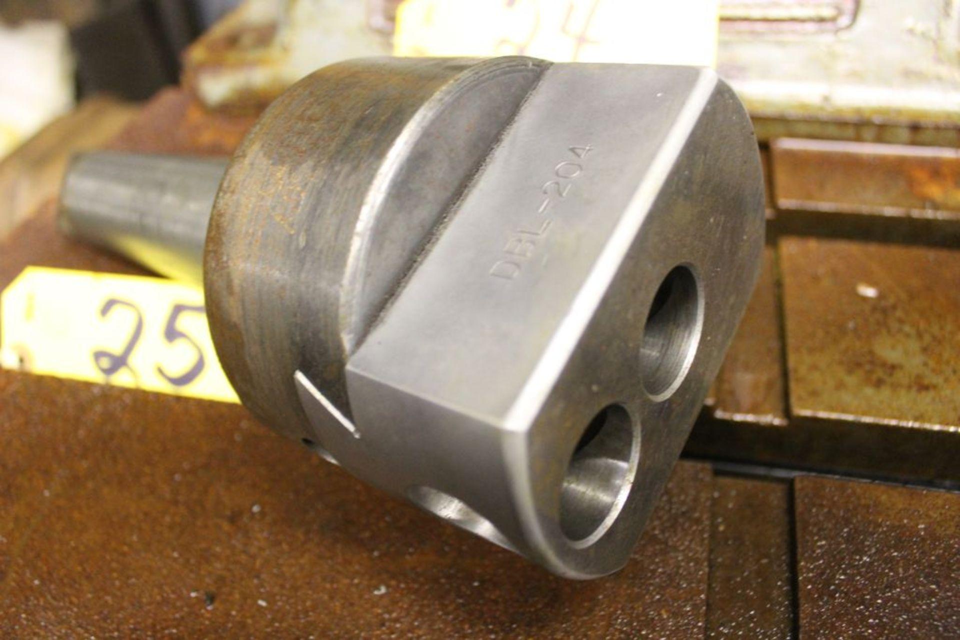 Boring bar tool holder model DBL-204.