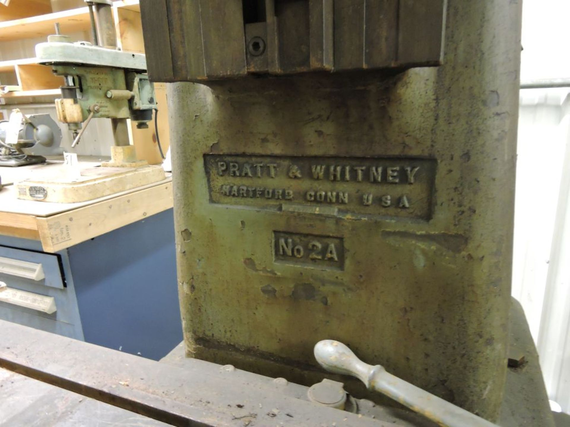 "Pratt Whitney mill No. 2A, jig borer M-1620, sn 1097, 44"" x 22"" bed, (parts machine). - Image 4 of 5"