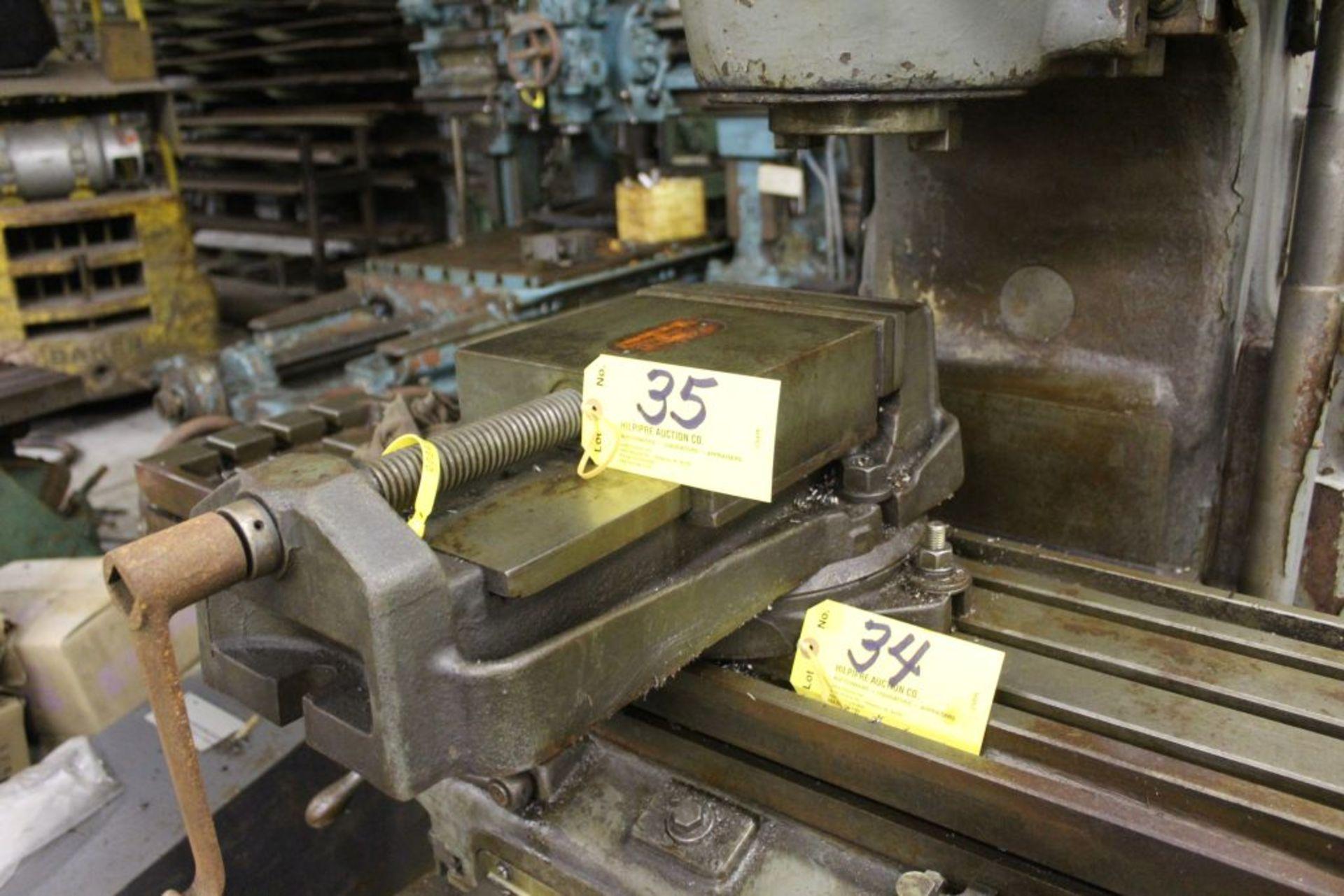 "Universal 9"" machine vise. - Image 2 of 4"