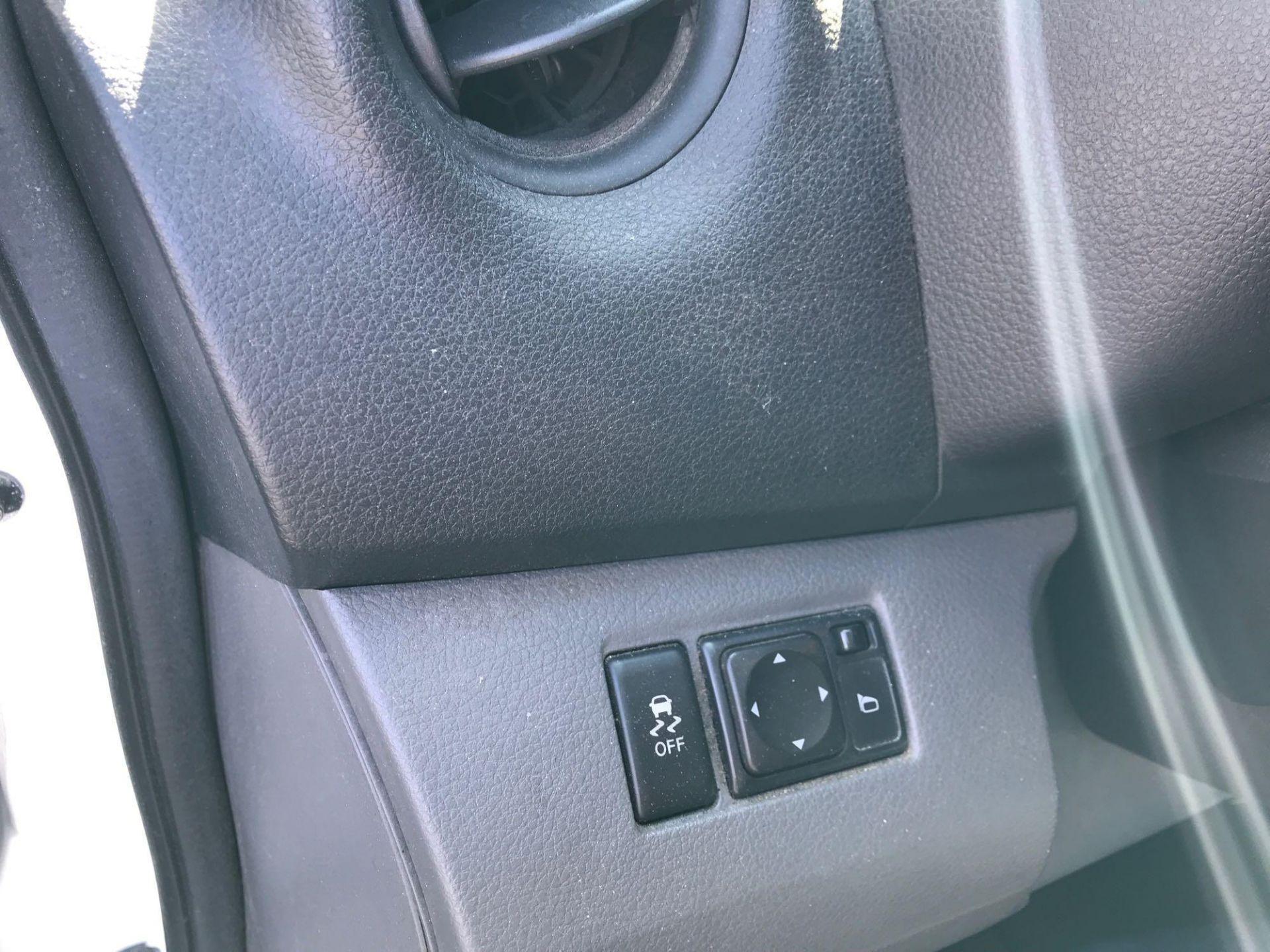 2013 Nissan NV200 Delivery Van - Image 19 of 54