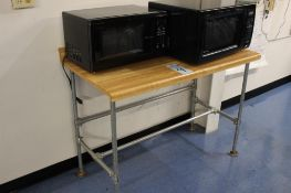 2 Magic Chef microwaves w/ table & Crosley refrigerator