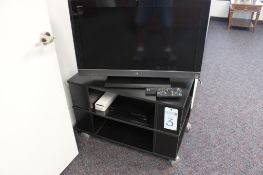 Sony 32inch tv w/ Sony blue ray player and stand