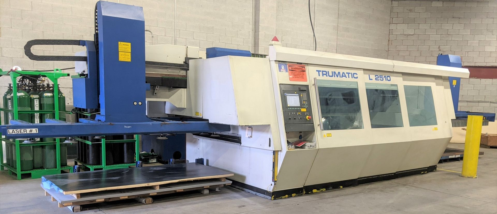 "2006 TRUMPF TRUMATIC L 2510 CNC LASER, 2,000 WATT, 4' X 10' TABLE, TRAVELS: X-120"", Y-50"", Z- - Image 3 of 32"