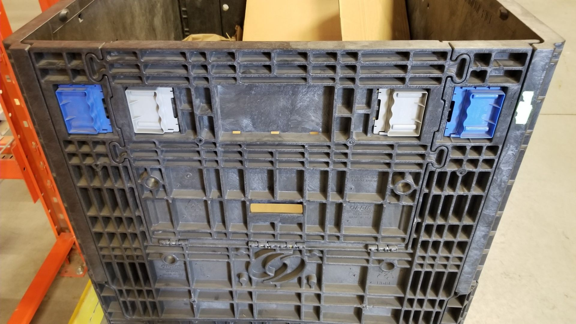 PLASTIC STOCK BIN WITH OPENING SIDES - Image 3 of 4