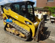 CAT MODEL 259-B-3 TRACK TYPE SKID STEER LOADER, PLUMBED FOR HYDRAULIC ATTACHMENTS, METER READING