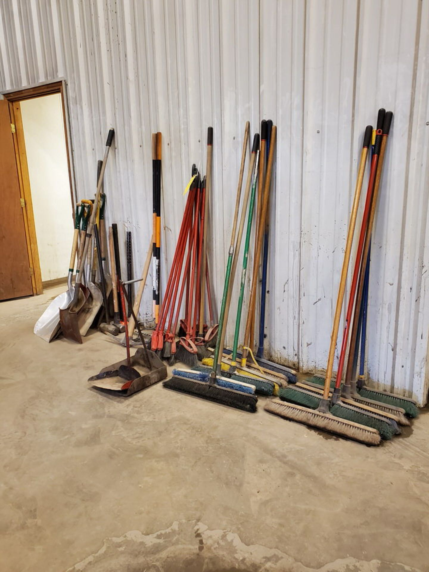 Assorted Cleaning & Yard Matl To Include But Not Limited To: Brooms, Shovels, Rakes, Dust Pans, - Image 5 of 6