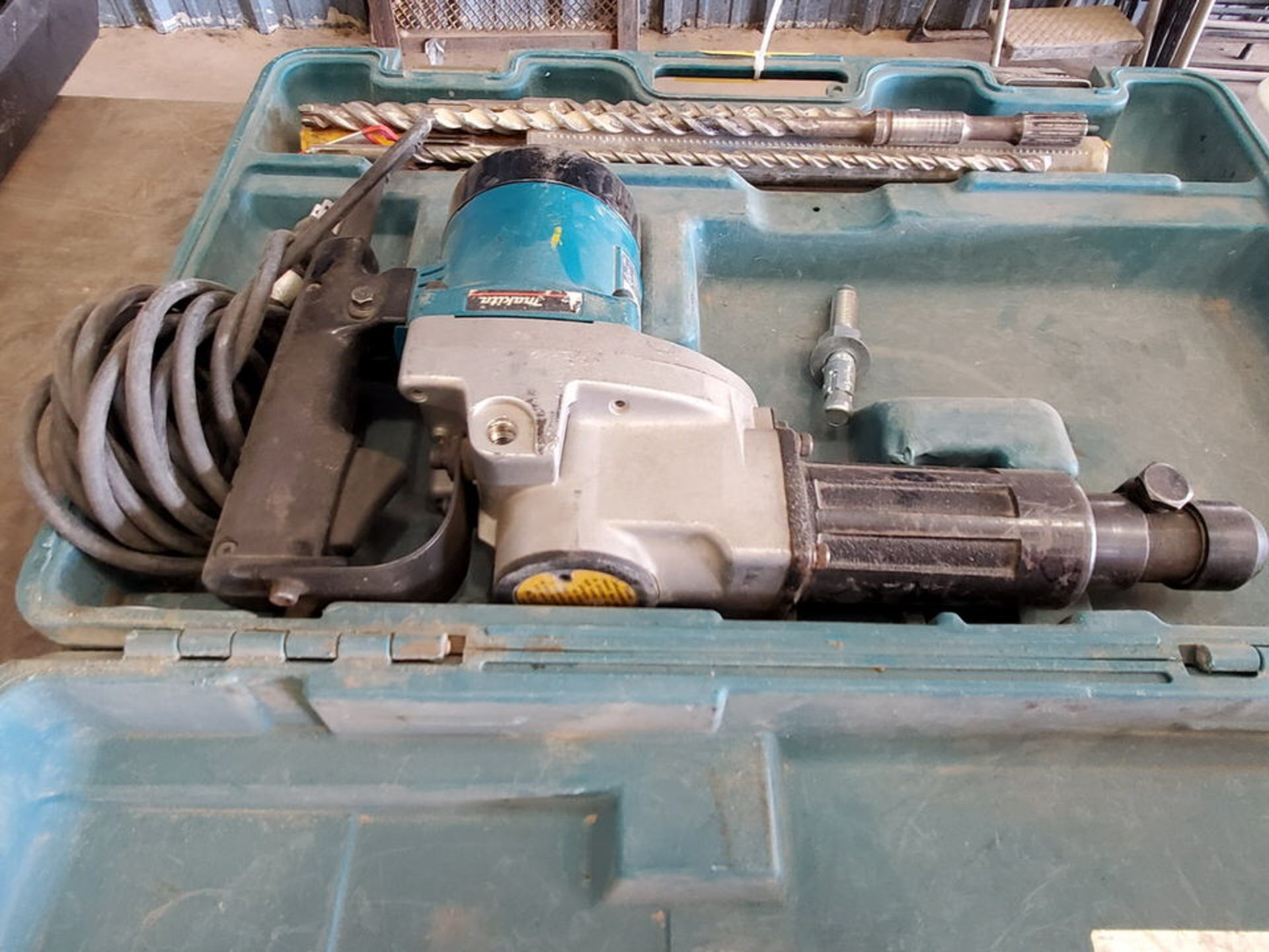 "Makita HR3851 1/2"" Rotary Hammer 120V, 10A, 2900RPM - Image 4 of 5"