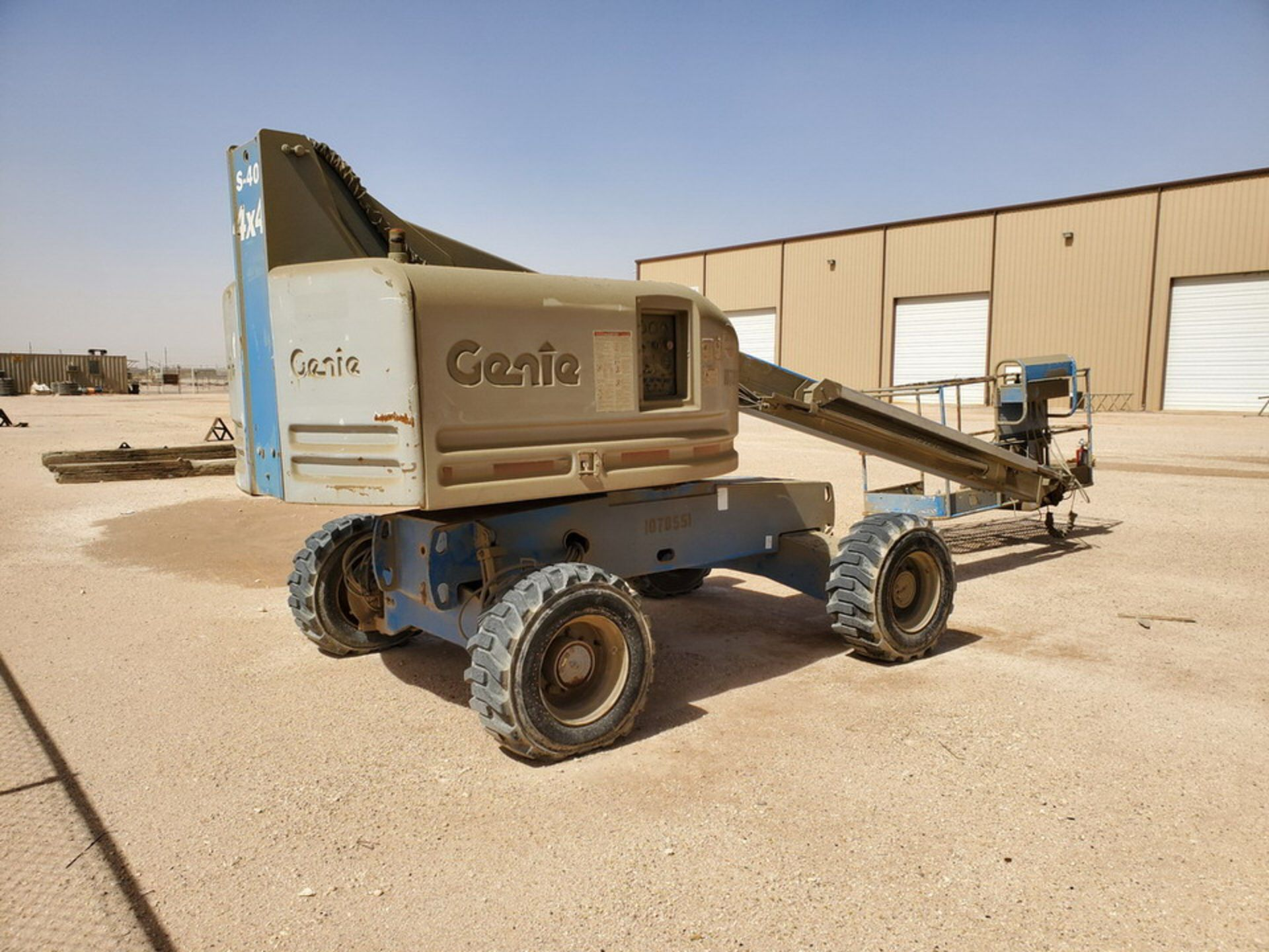 Genie 4x4 S-40 Telescopic Boom Lift 5,611 hrs - Image 5 of 14