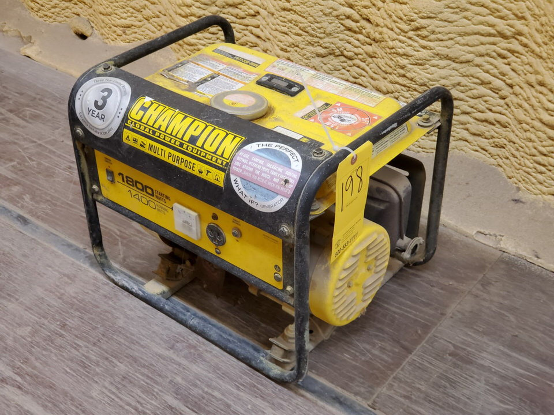 Champion 42432 Portable Generator 1400W, W/ 80cc Engine, 1PH, 60HZ, 120V, 11.7A