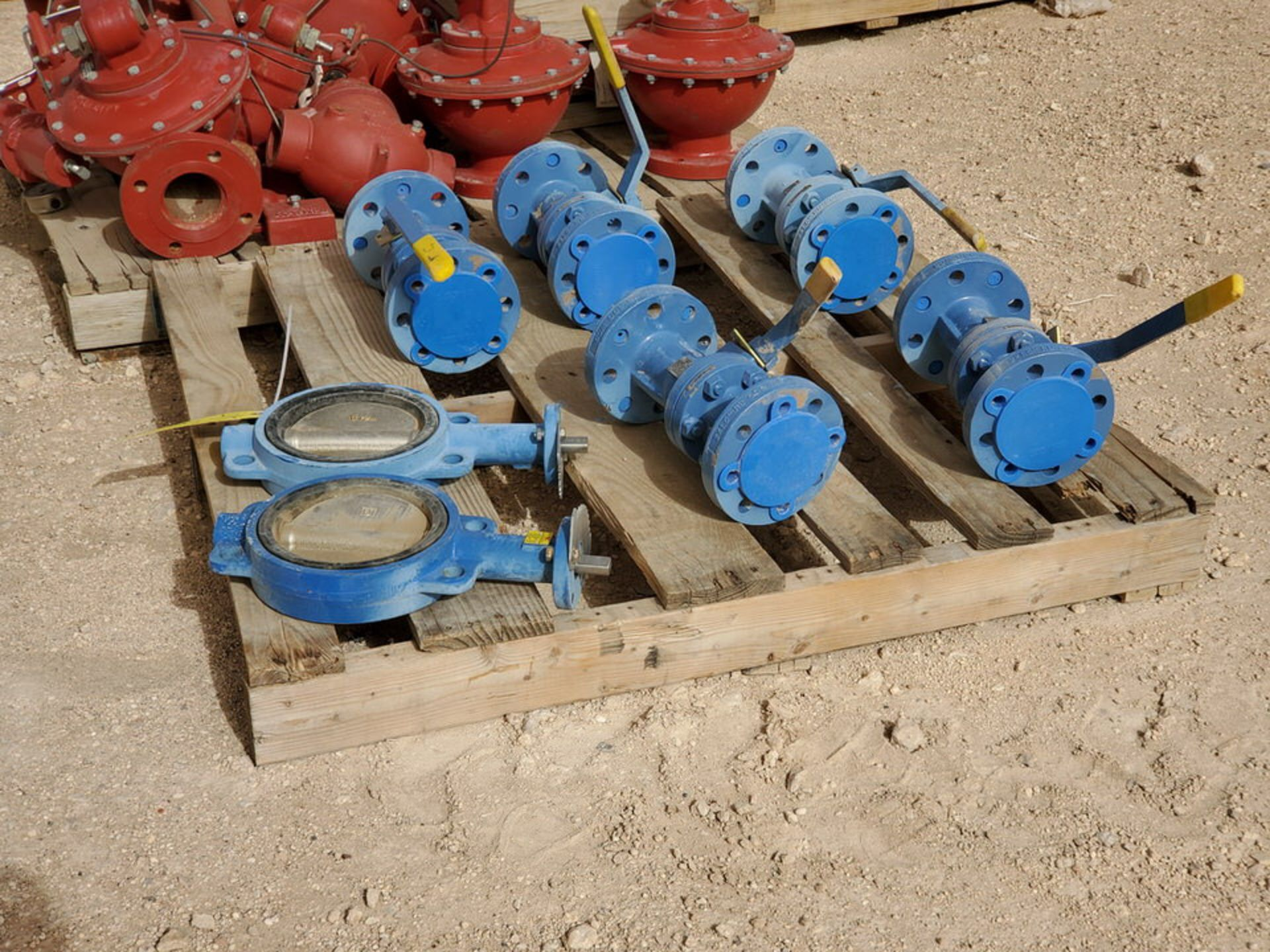 "(7) Assorted Valves (2) 6"" Wafer Butterfly, CE, 200#; (5) 2"" Virgo 600# Ball Valves - Image 3 of 9"