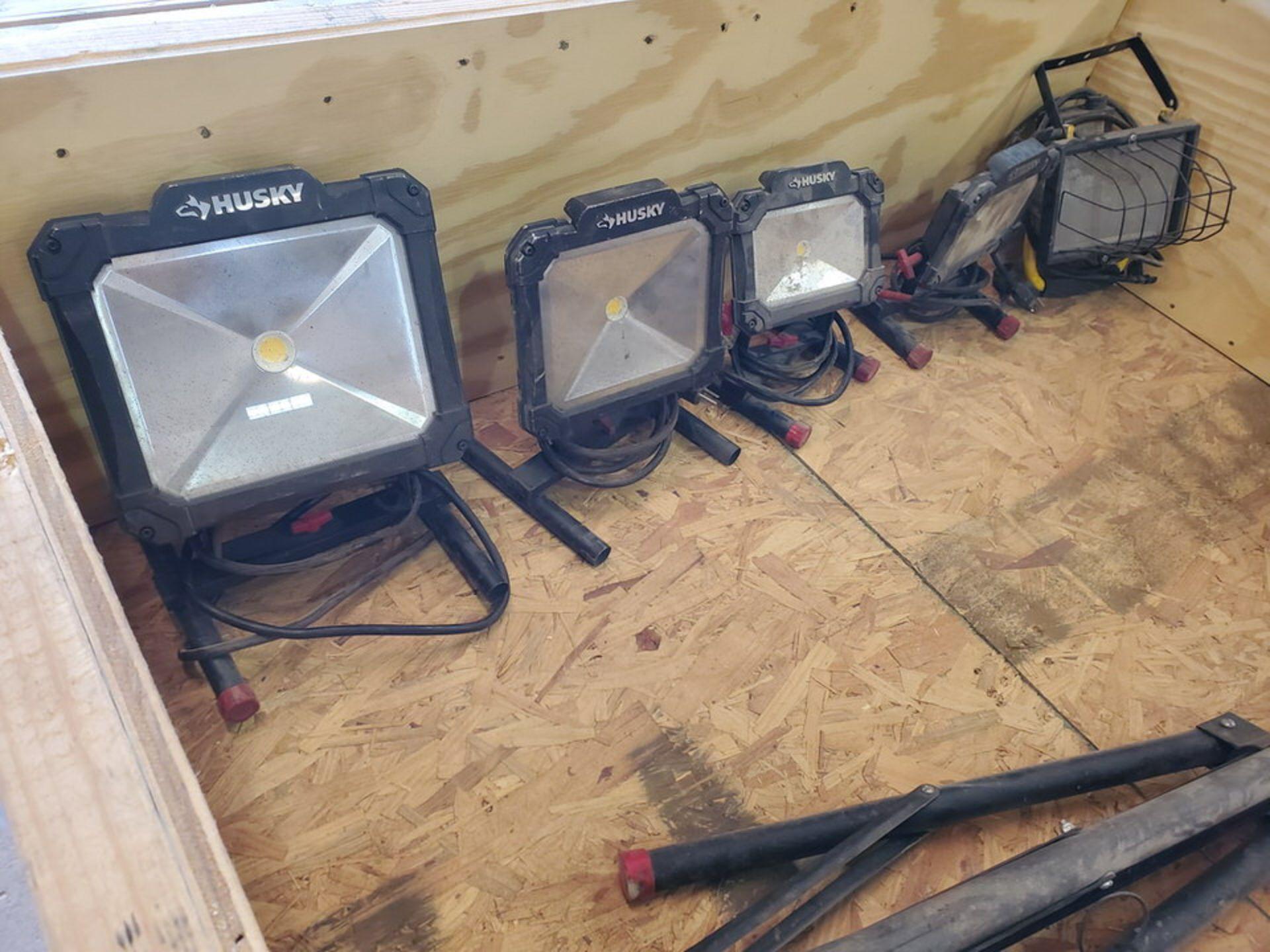 Husky (6) Tripod & Portable Work Lights - Image 3 of 6