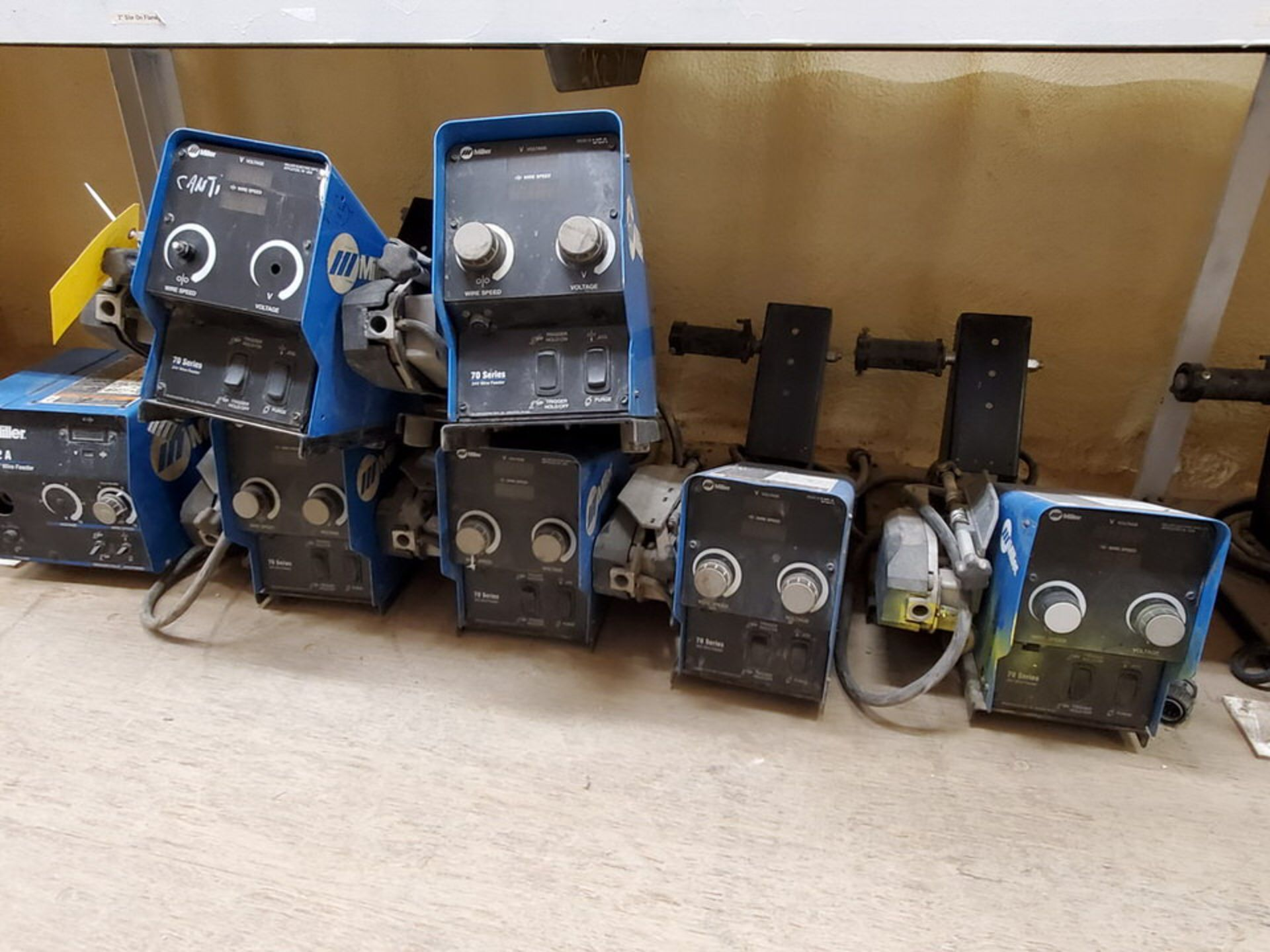 Miller 70 Series (9) 24V Wire Feeders W/ (1) 22A 24V Wire Feeder - Image 4 of 6