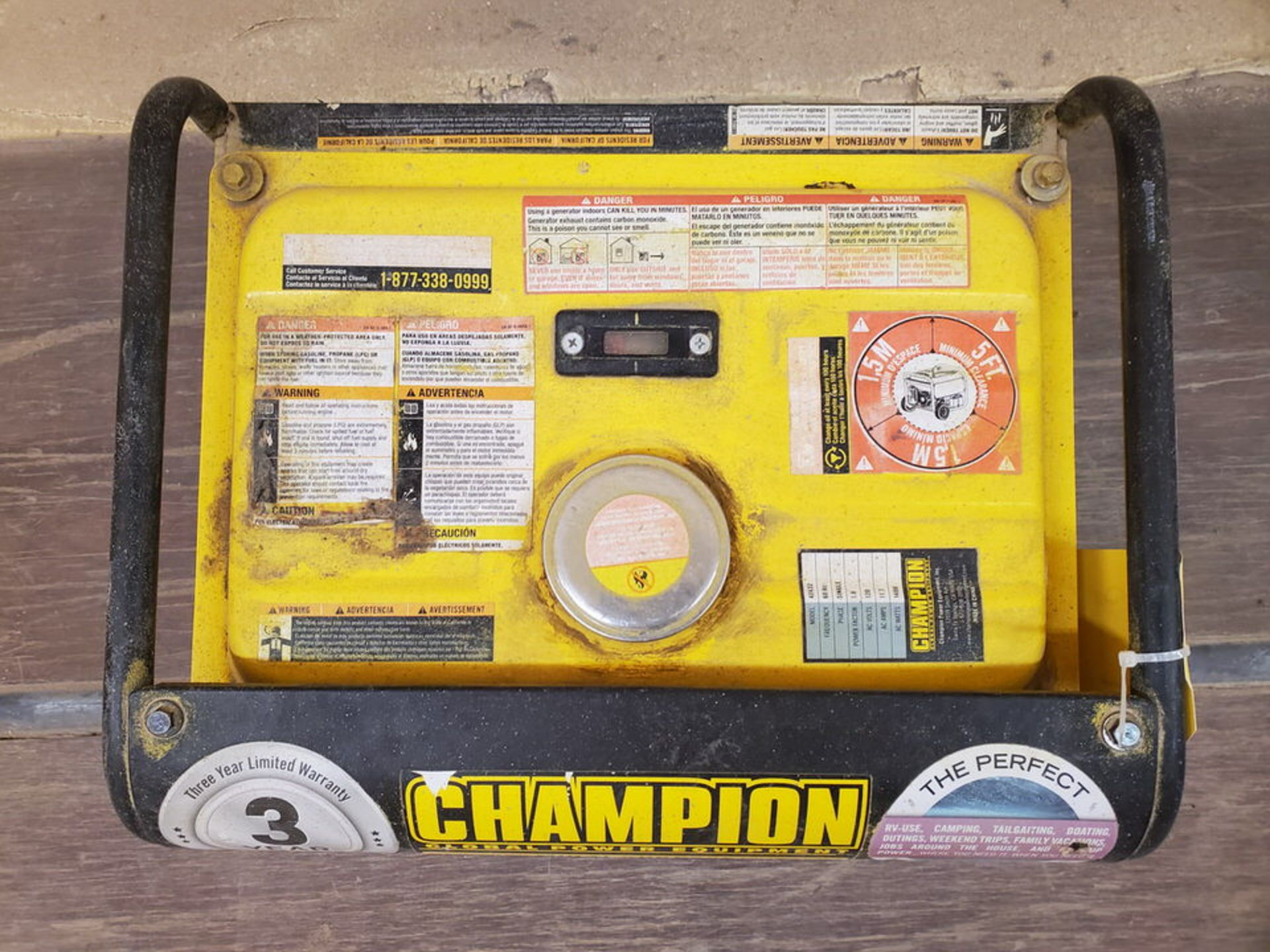 Champion 42432 Portable Generator 1400W, W/ 80cc Engine, 1PH, 60HZ, 120V, 11.7A - Image 6 of 7
